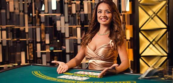 Advantages-of-three-Card-Poker
